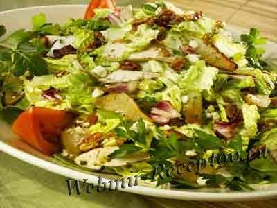 Салат из куриной грудинки с грушей