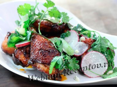 Салат из копченого куриного окорочка