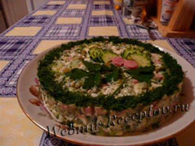 Овощной колбасный салат