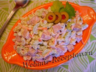 Салат с макаронами и свининой