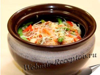 Свиная вырезка с овощами, запеченная в горшке