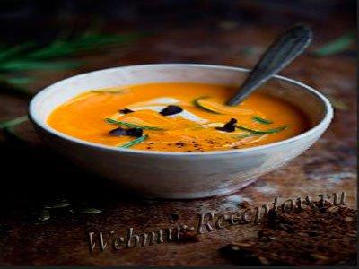 Тыквенный молочный суп с орехами