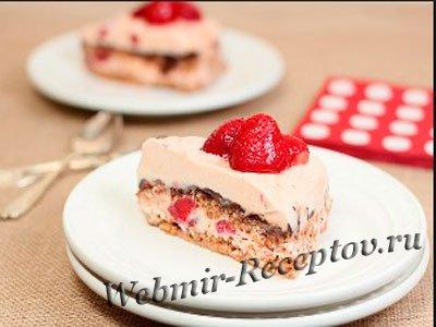 Слоеный десерт под сметанным кремом
