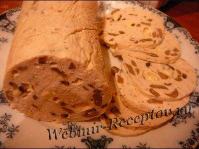 Колбаса куриная с мускатным орехом и сыром