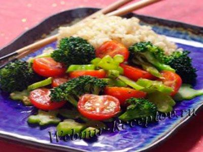 Рис с брокколи в томатном соусе