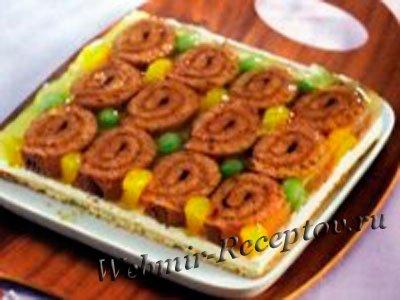 Торт-желе с «улитками» и лимонным джемом