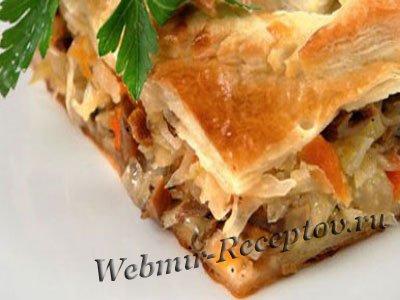 Пирог с грибами и капустой квашеной