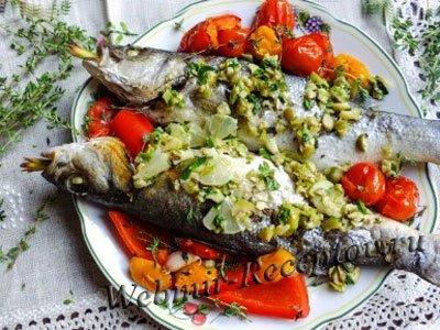 Рыба, запеченная с пряностями и овощами