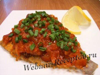 Рыбка с картофелем под томатным соусом